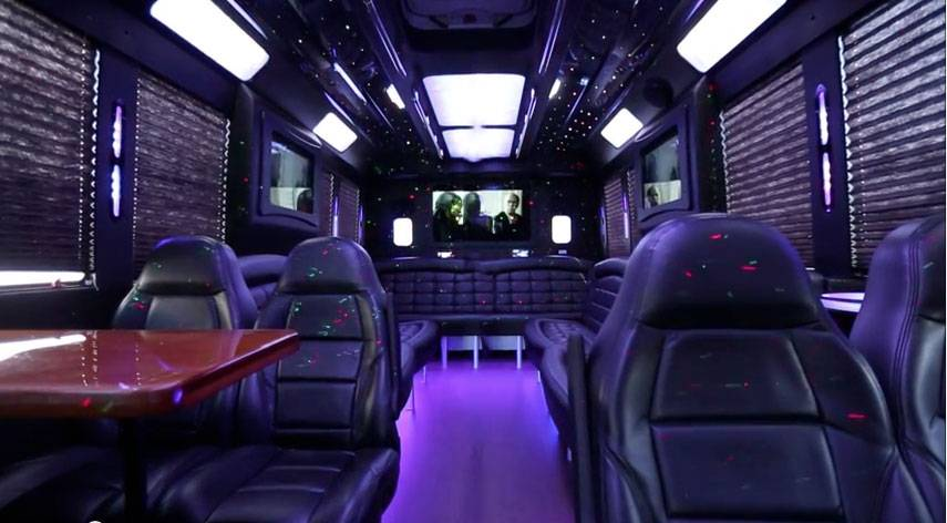tiffany-party-bus-four-sall