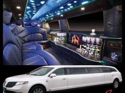 2017 Lincoln MKT Limousine